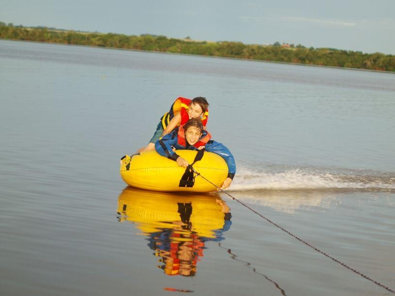 Au fleuve P2063582
