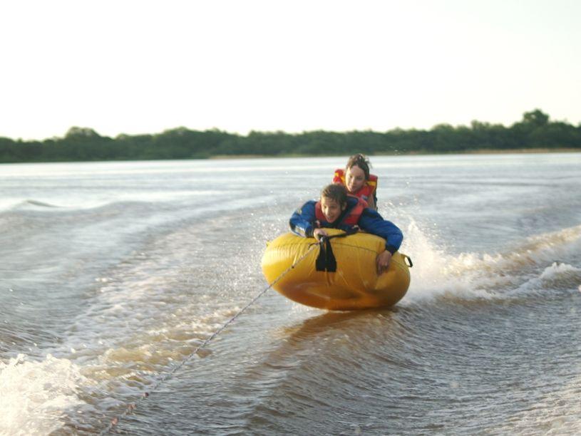 Au fleuve P2063592