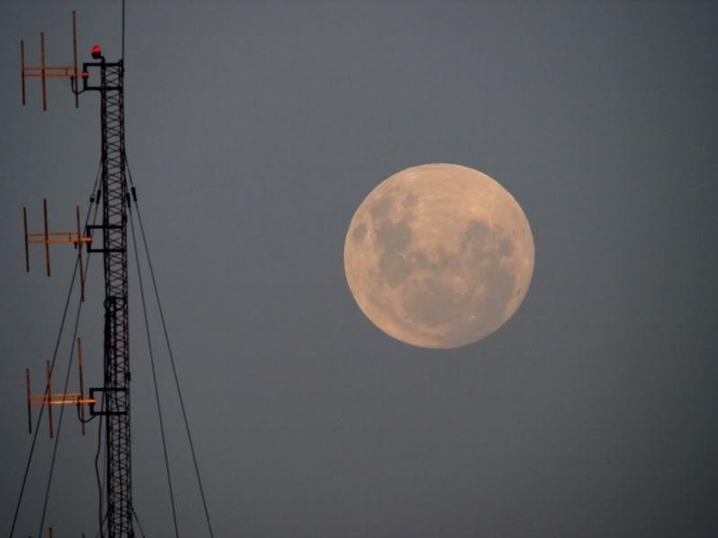 Lune....nuages..!! P2172934