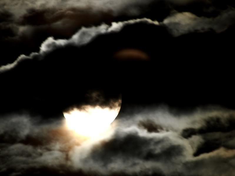 Lune....nuages..!! P2182944