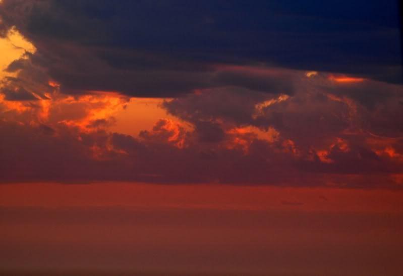 Nuages et couche de soleil PC071736