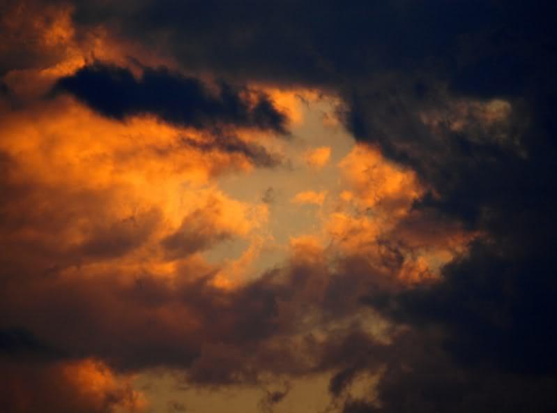 Nuages et couche de soleil PC071737