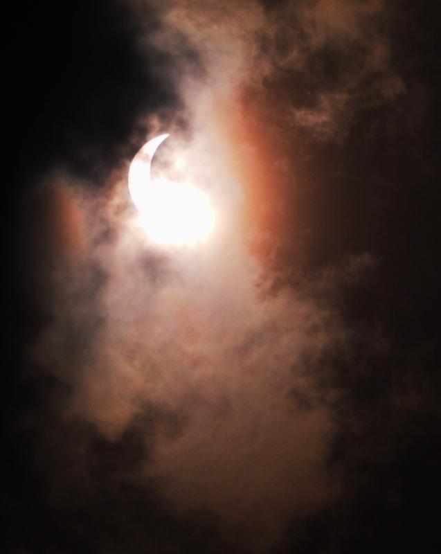 Ni lever ni coucher!!!Un éclipse de soleil!!(Ajoute deux) P2260004_zps2fpye04c
