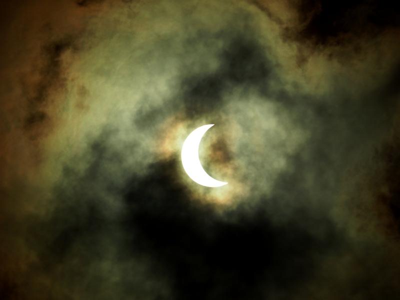 Ni lever ni coucher!!!Un éclipse de soleil!!(Ajoute deux) P2260006_zps2wx19jn4