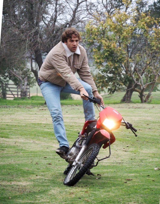 Francisco et la moto P7150024_zpsphhq0ydy