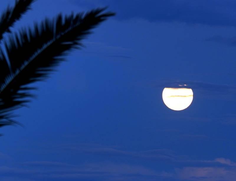 Lune et nuages P9240012_zpseko7bon2
