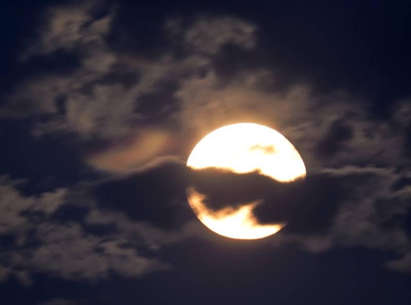 Lune et nuages P9240018_zpssbrmikw0