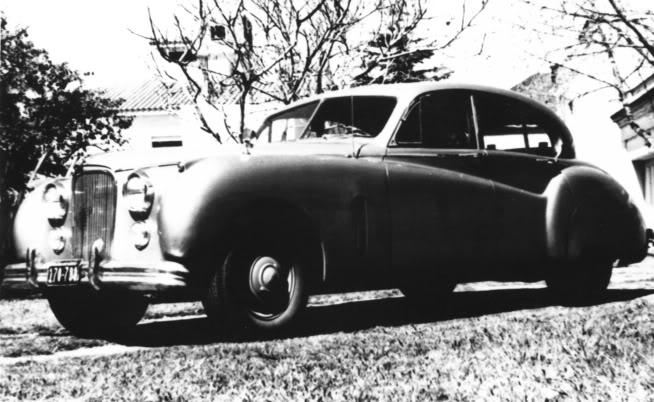 Rally de vielles voitures Jaguar