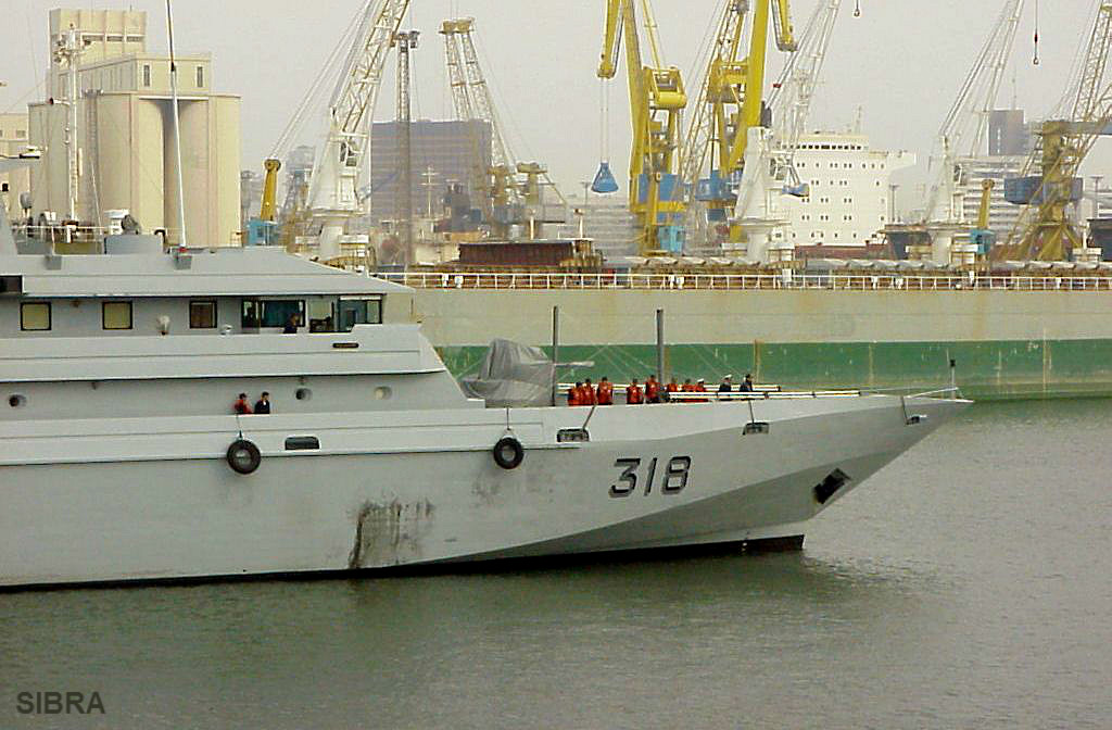 Royal Moroccan Navy Patrol Boats / Patrouilleurs de la Marine Marocaine - Page 8 PHM-318RaiumlsBargachOPV-64-1_zpse3fe9854