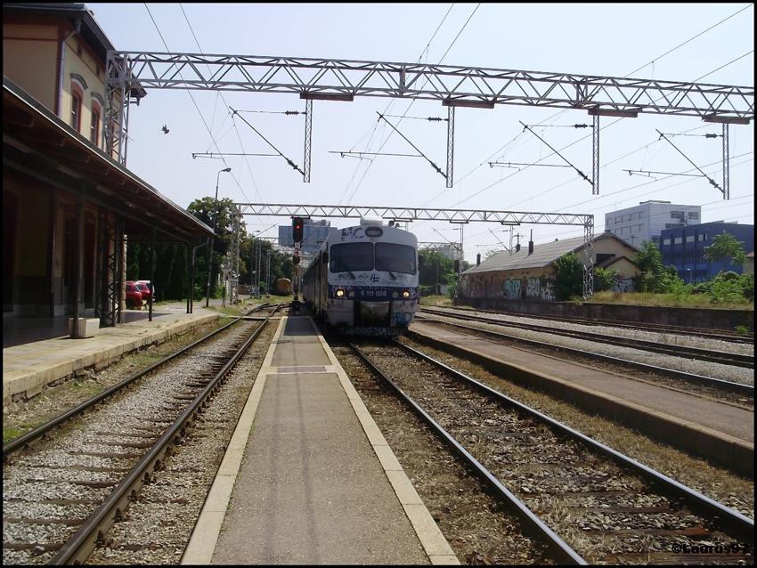 Vlakovi u daljini - Page 4 P1131033_zps40608374