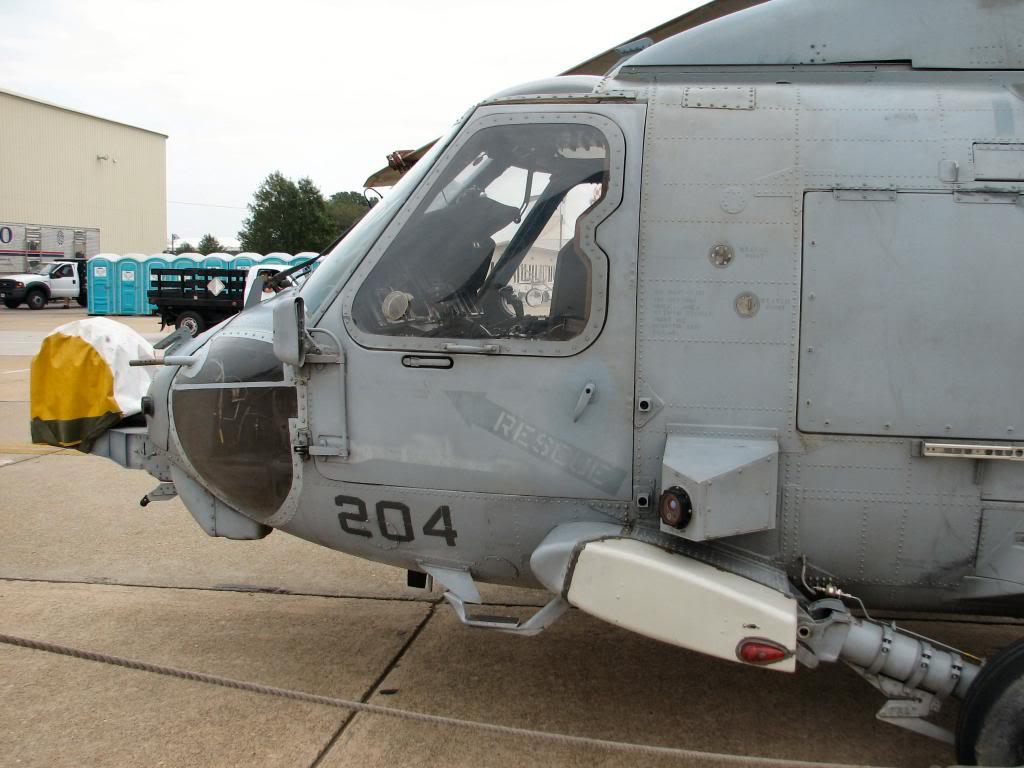 HH60-H Recue Hawk 1/72 Hooby Boss - Página 2 DSC10000_zpsa4157df8