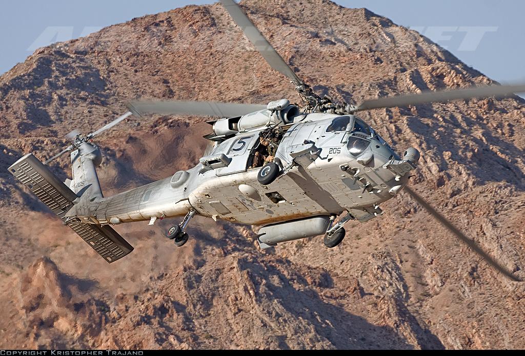 HH60-H Recue Hawk 1/72 Hooby Boss - Página 2 DSC10001_zps4d24f64b