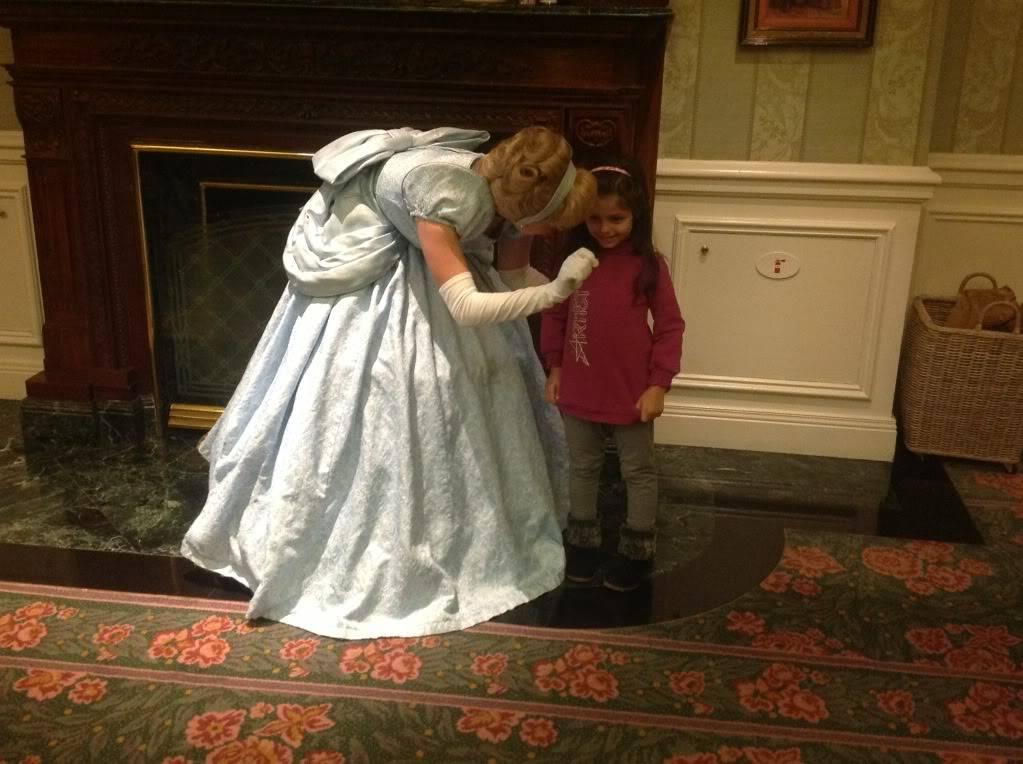 Disneyland Hotel :: Inventions - Pagina 27 Null_zps098c35f0