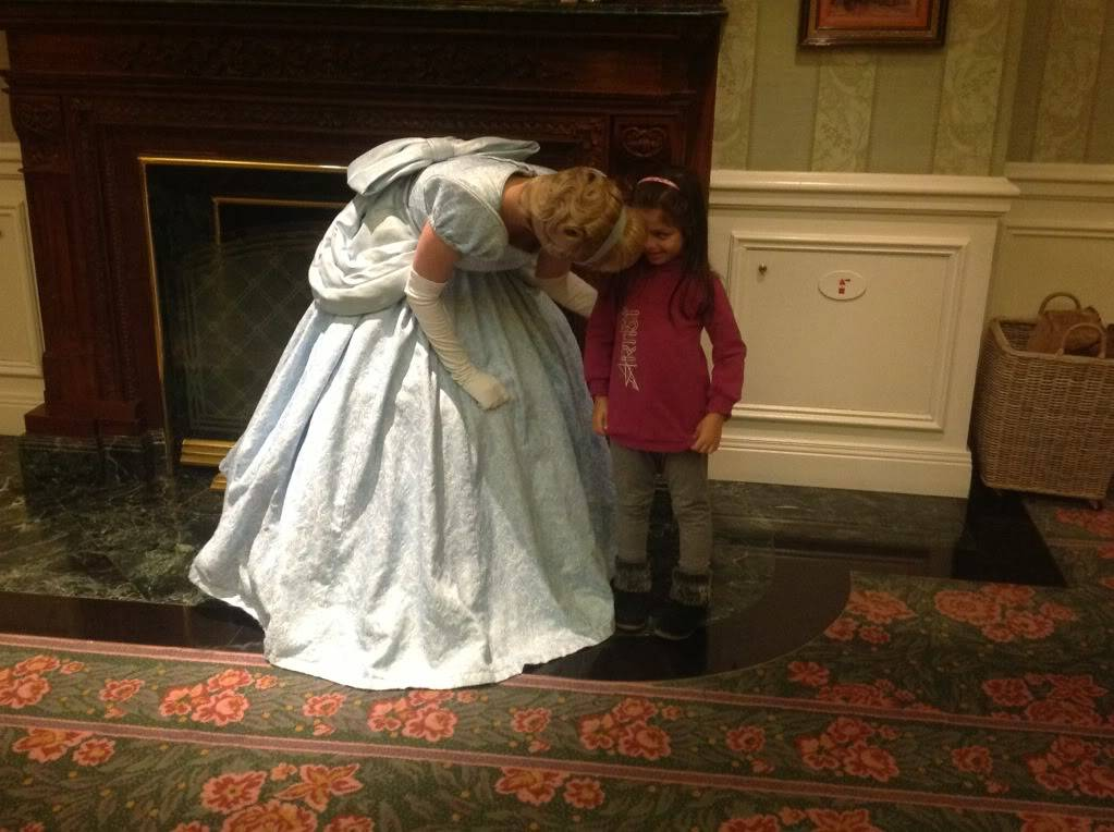 Disneyland Hotel :: Inventions - Pagina 27 Null_zps5877e9e3