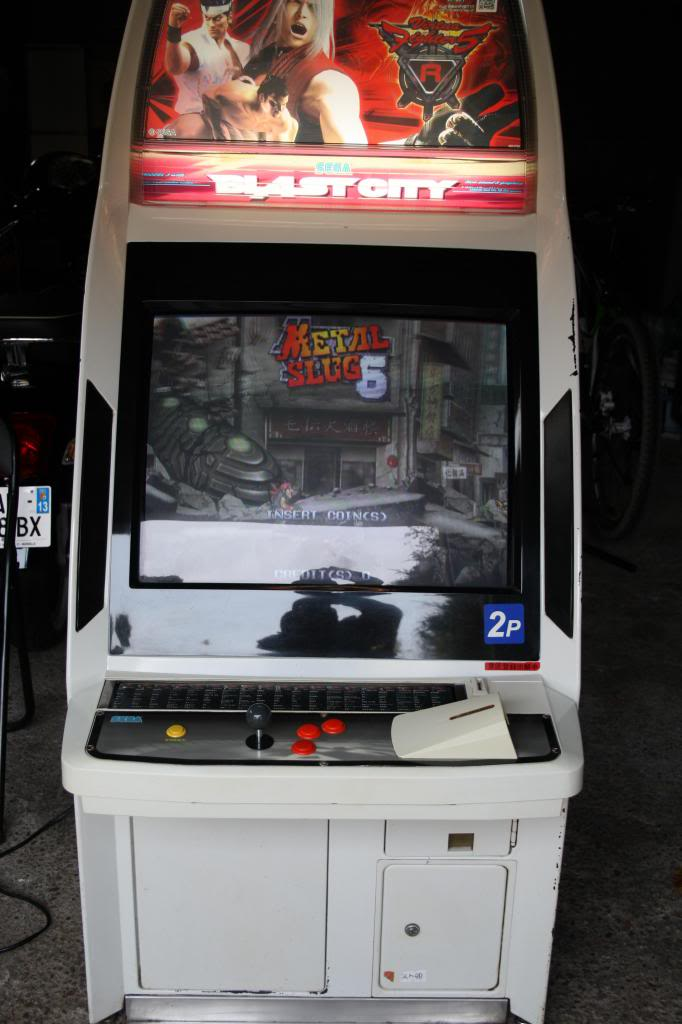 [Vds] Daytona USA 2 deluxe, The House of Dead 3 deluxe,... IMG_0721