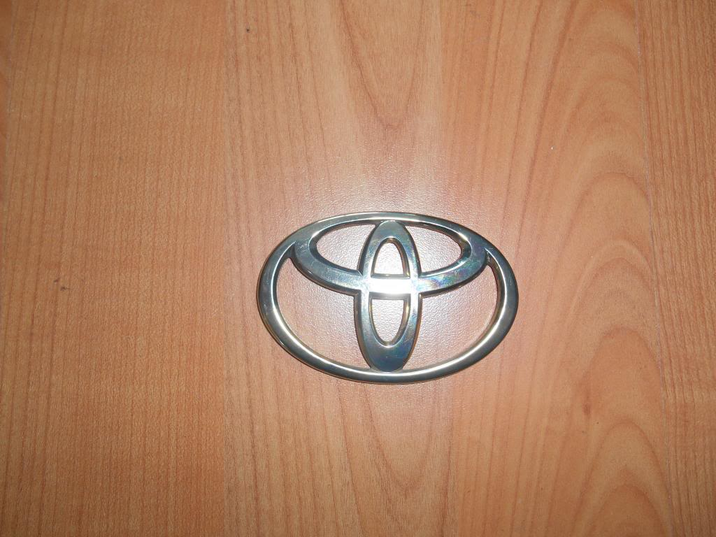 Toyota Gold Badge (Optional Extra) Pic Added DSCN0231_zpsd5d738ec