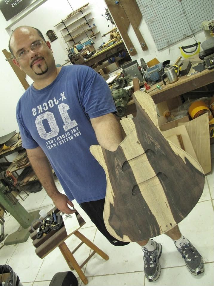 Com qual desses luthiers você faria um baixo? Quais os melhores na sua opinião? Múltipla Escolha TOP