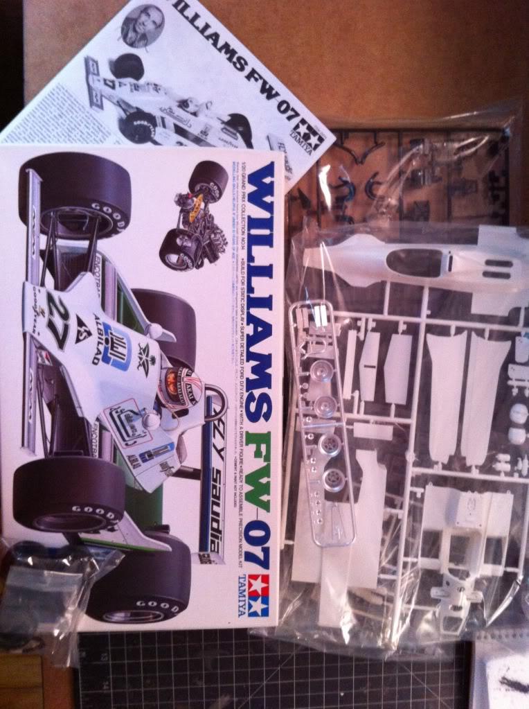 Williams FW07 Fly Saudia Null_zps98396547
