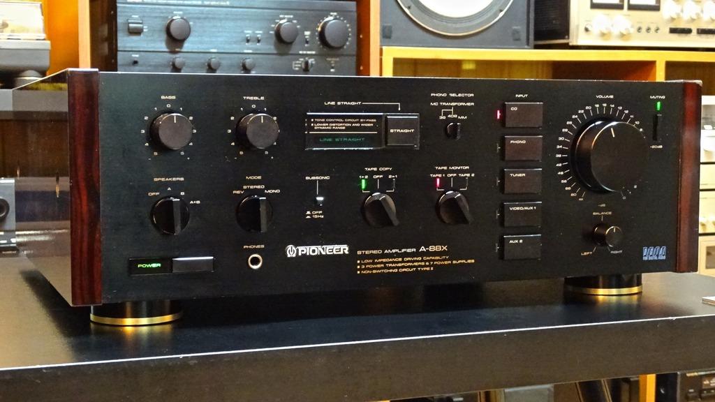 Pioneer A-88X DSC03803_zpsx1cercym