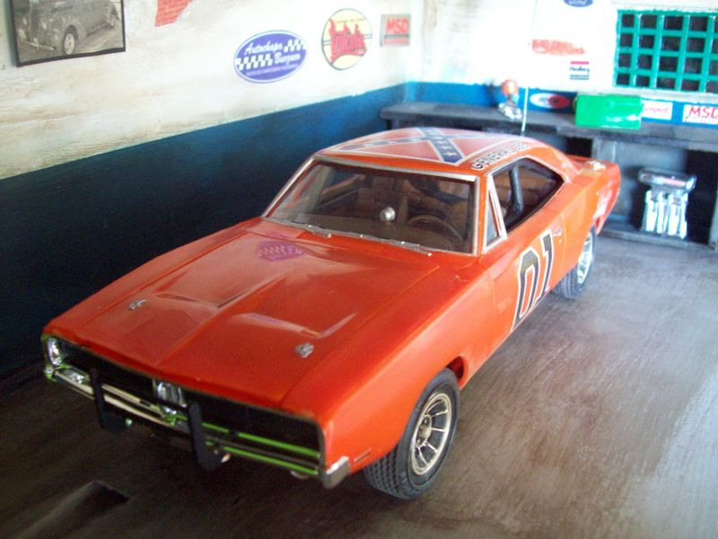 Dodge Charger General Lee (AMT 1:25 ) GeneralLeesucio18_zps808bc37a