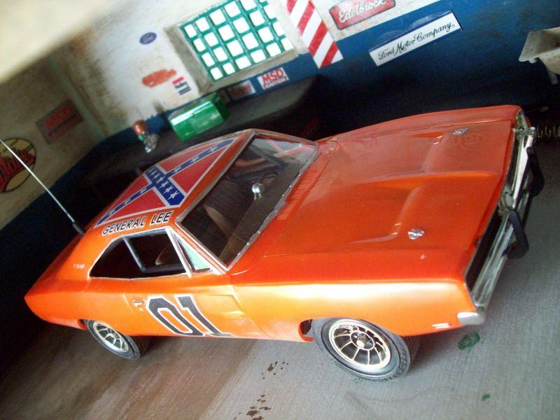 Dodge Charger General Lee (AMT 1:25 ) GeneralLeesucio36_zpsc84cc4c3