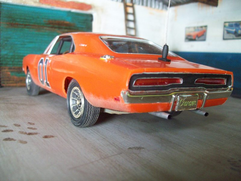 Dodge Charger General Lee (AMT 1:25 ) GeneralLeesucio6_zps1579f8ae