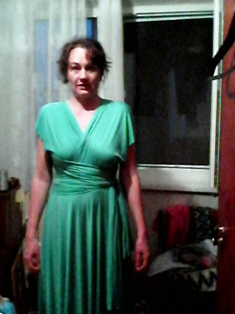 Provocarea nr. 21 croitorie - rochia infinit - Pagina 5 IMG00017_zpsd1e6a37c