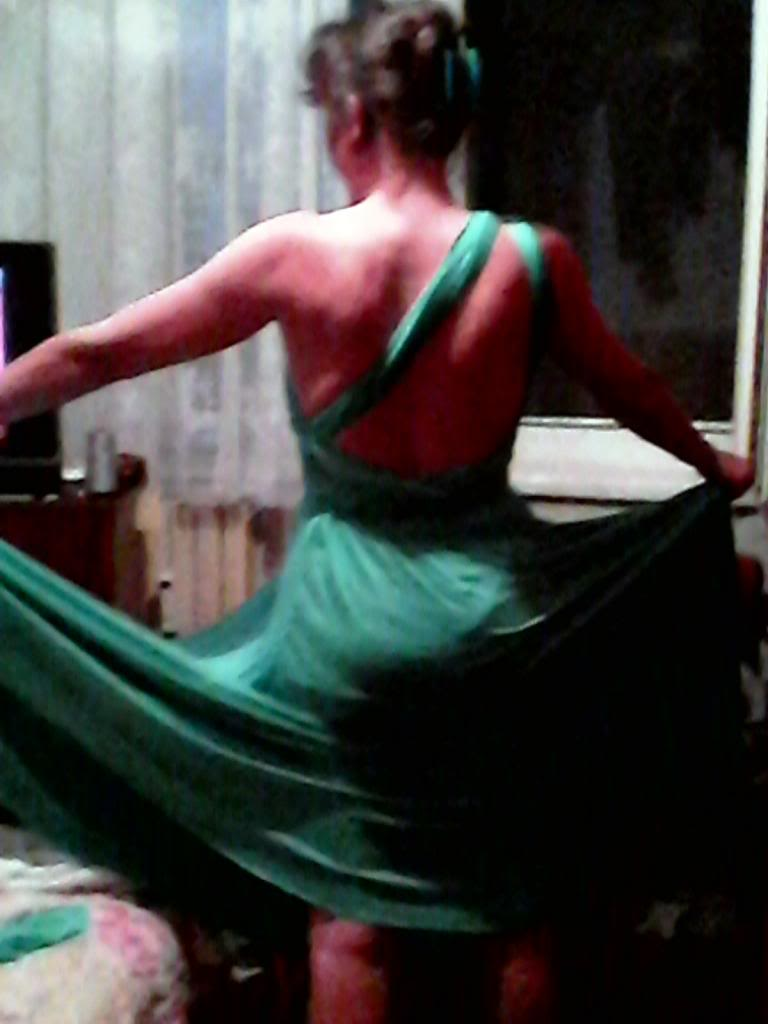 Provocarea nr. 21 croitorie - rochia infinit - Pagina 5 IMG00020_zpsa0fc03c8