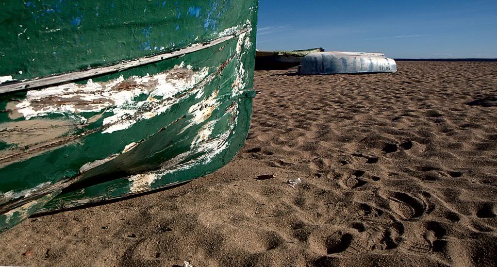 Unas barca en la playa N130203041copia_zpsc8239b30
