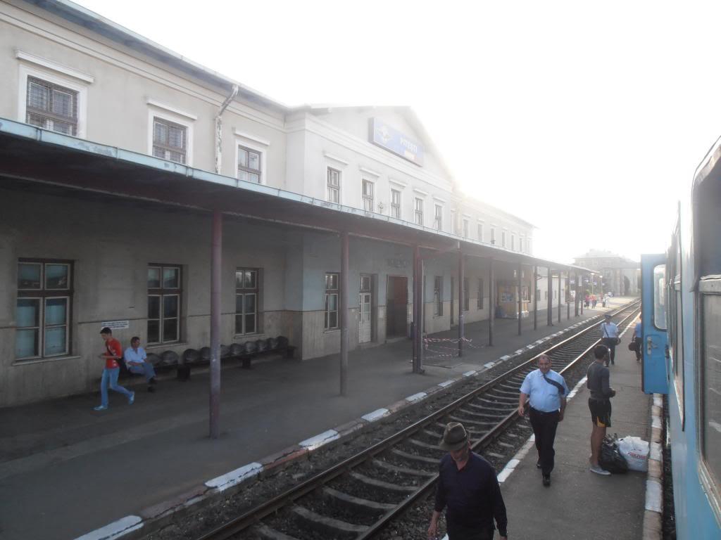 901 : Bucuresti Nord - Titu - Pitesti - Piatra Olt - Craiova - Pagina 5 P5080441_zps28a4ca66