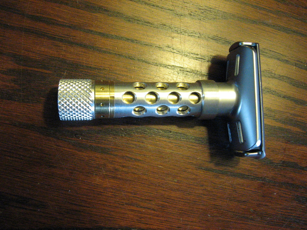 Qshave adjustable safety razor (Futur clone) - Page 2 IMG_0007_zpsw4krhiqt