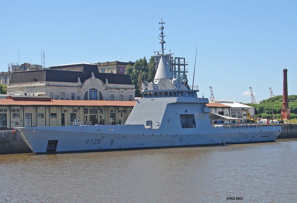 Un navío francés anticipa la visita oficial de Hollande - Página 2 DSC00054_zpsj73qsrmb