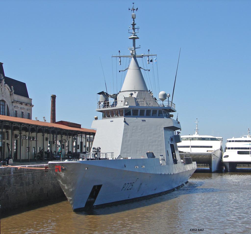 Un navío francés anticipa la visita oficial de Hollande - Página 2 DSC00055_zpsjoyqh5ea