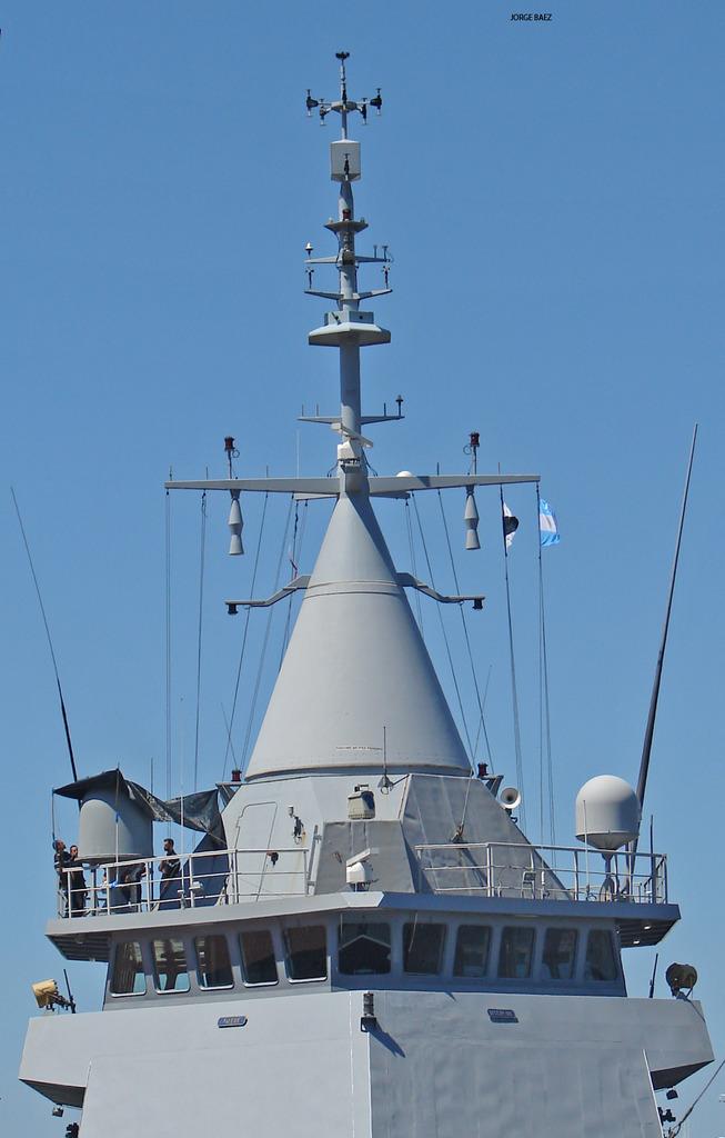 Un navío francés anticipa la visita oficial de Hollande - Página 2 DSC00057_zpscemyvs7s
