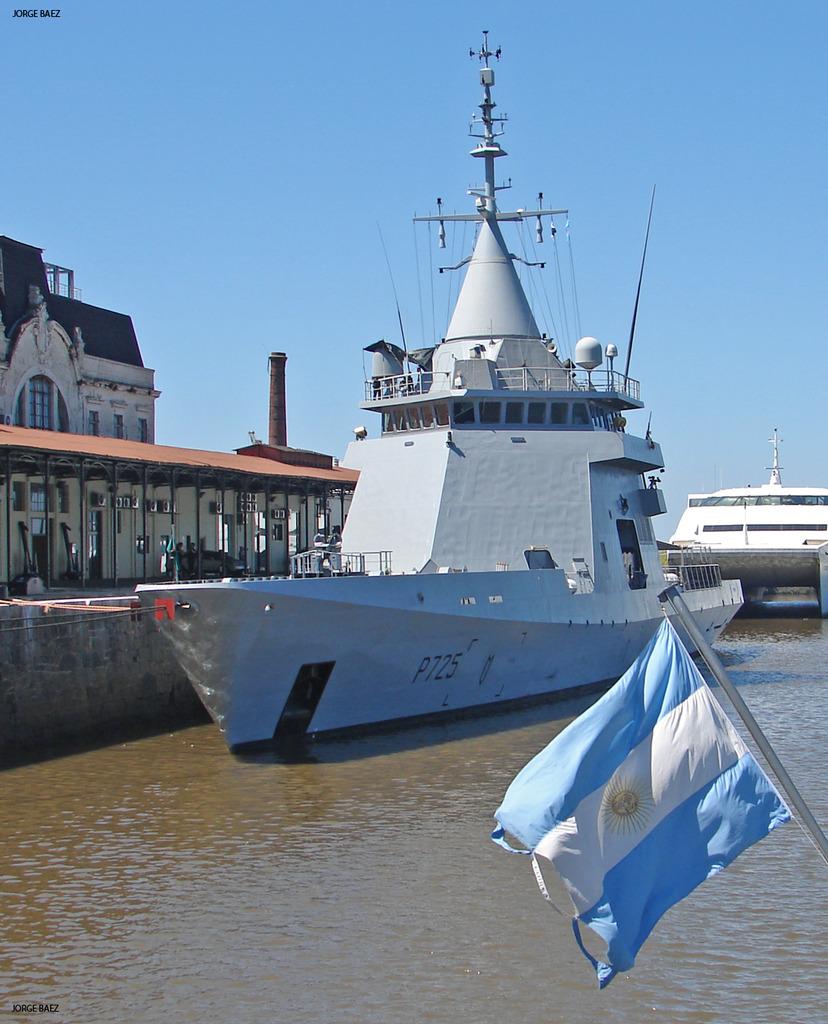 Un navío francés anticipa la visita oficial de Hollande - Página 2 DSC00058_zpsfvph3zcf