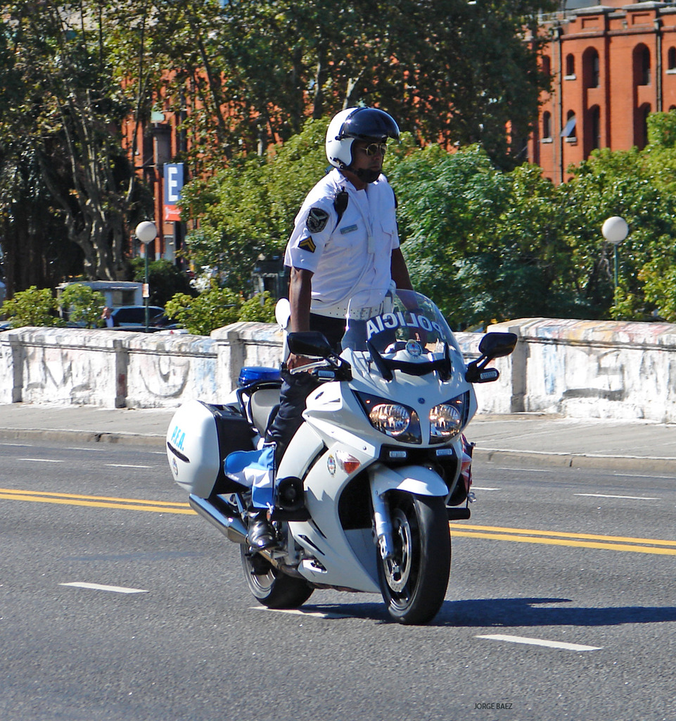 Policia Federal Argentina - Página 2 DSC00327_zpsgud18zzh