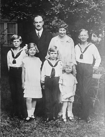 Nietos y bisnietos de Victoria - Página 2 Familybis1