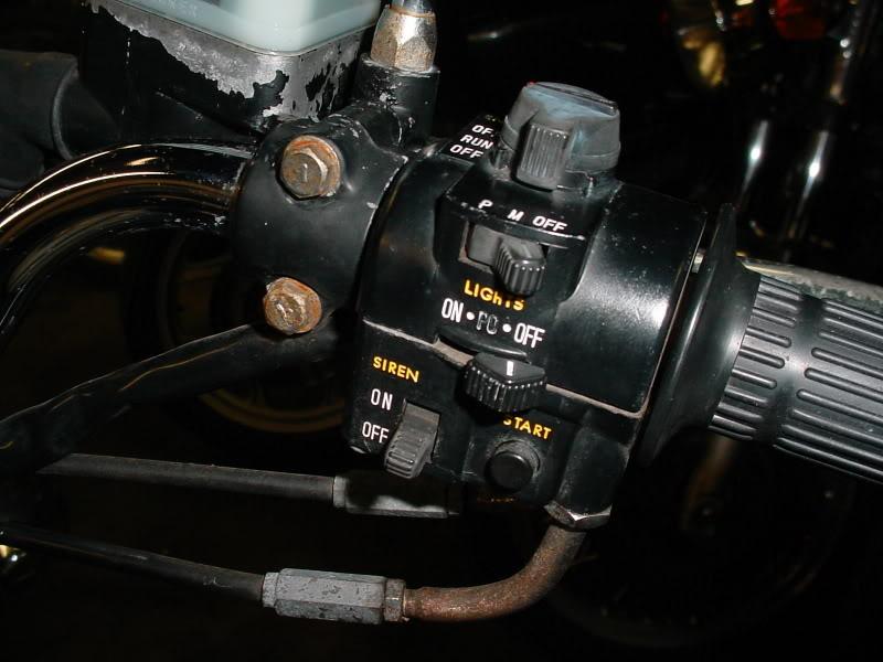 Problème électrique : comodos et schéma DSC00015