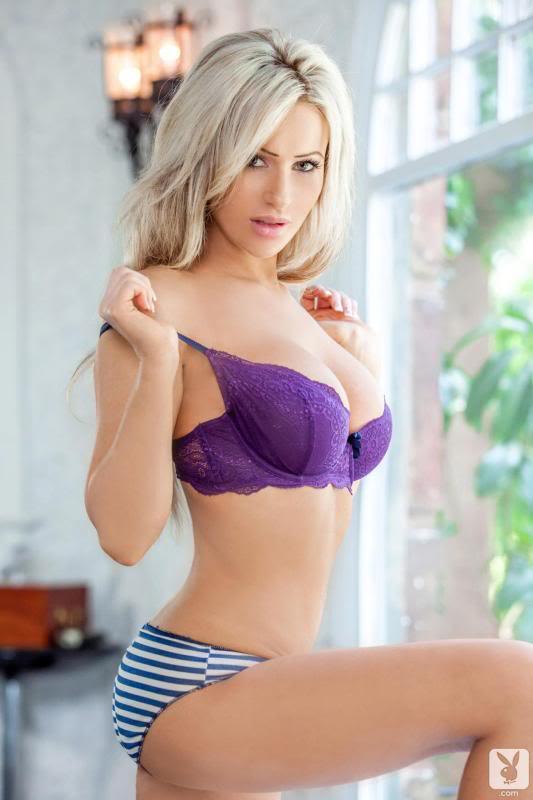 Hot Chicks Thread 412643_481778975181831_1559208011_o
