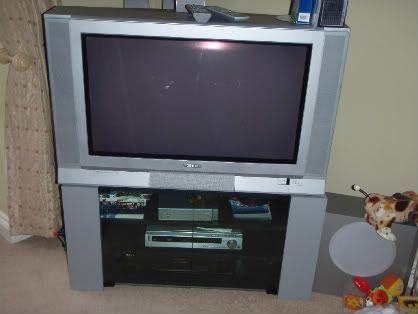 Garage Sale P6070600-1