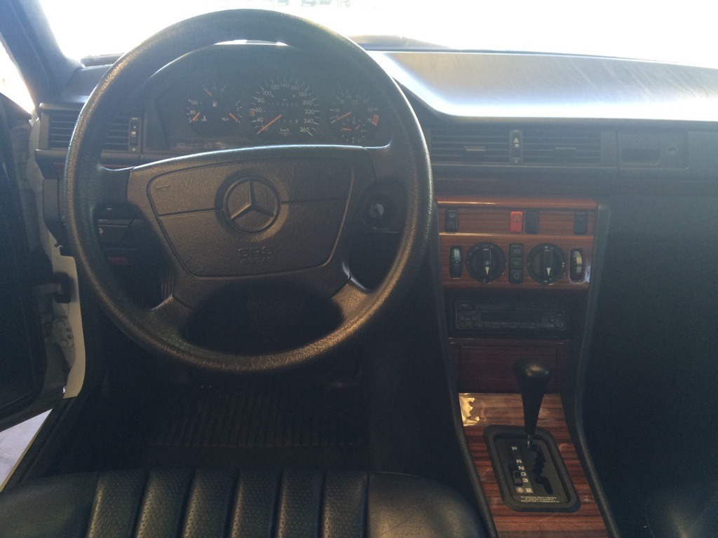 (ARQUIVO) W124 - 320E BRANCA - 1993 - R$23.200,00 Thumb_IMG_2159_1024_zpsyp2vrp9z
