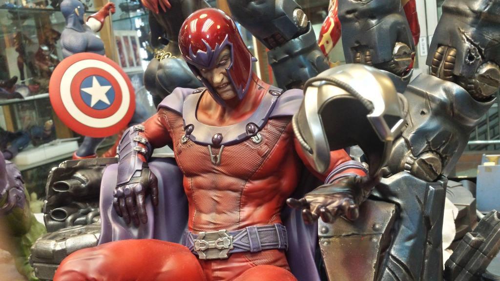 Premium Collectibles : Magneto on Sentinel Throne - Page 5 10484067_10152550135841826_7803806679804527209_o_zps5e6187ed