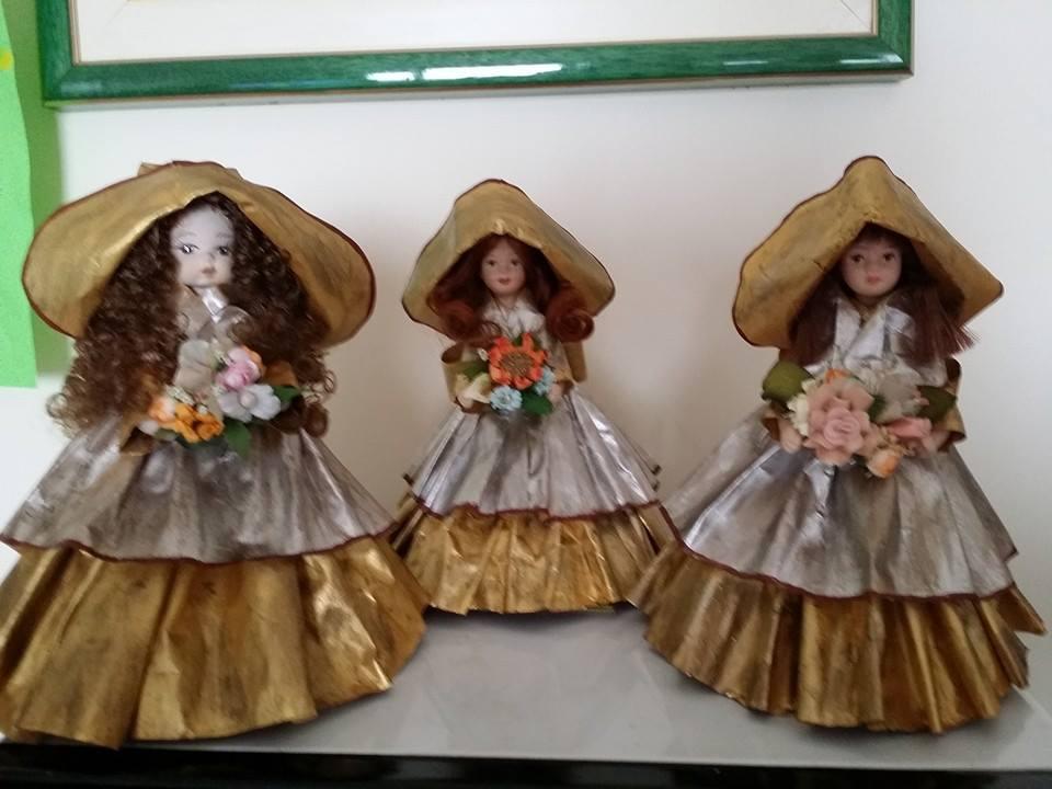 bambole con vestiti di cartapesta 10245458_653063464771473_769341170312399845_n_zpscuakwe62