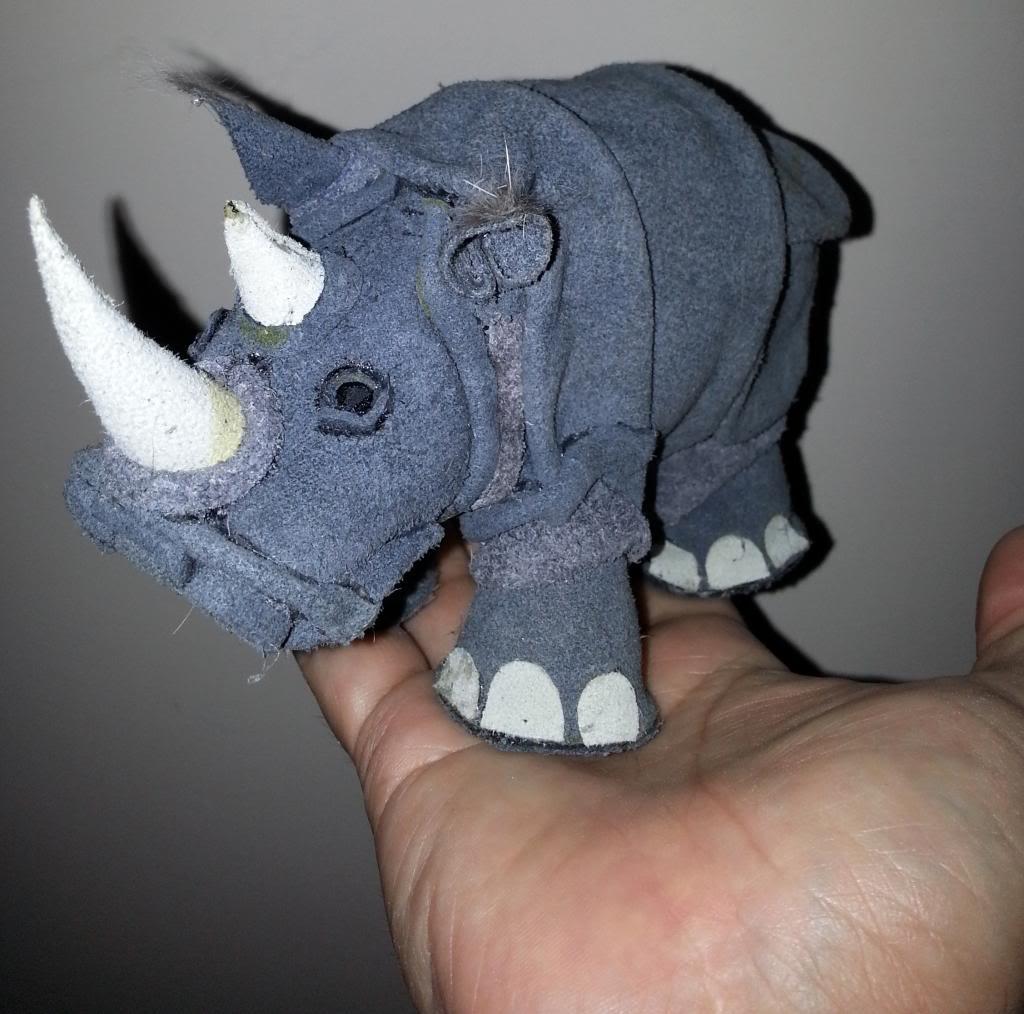 pupazzo di rinoceronte  20130516_094809_zps15f75565
