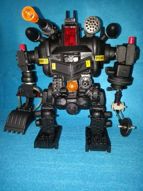 Tank robot 20130609_113704_zps48ea35fc