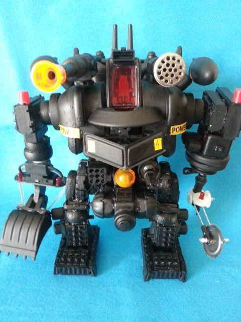 Tank robot 20130609_113835_zpsd4ecbf92