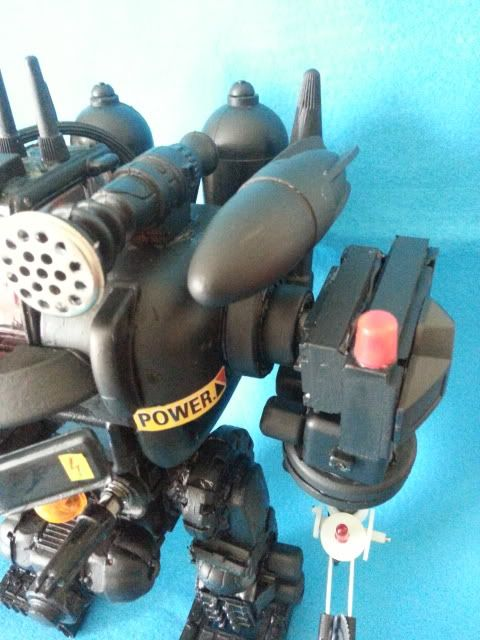 Tank robot 20130609_113841_zps60958ad5