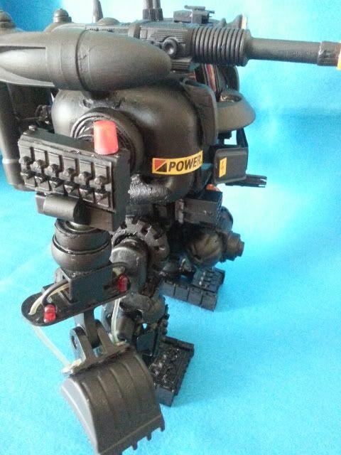 Tank robot 20130609_113956_zps16302b0e