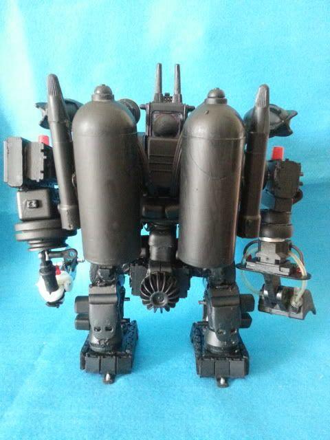 Tank robot 20130609_114028_zpsc78362fd