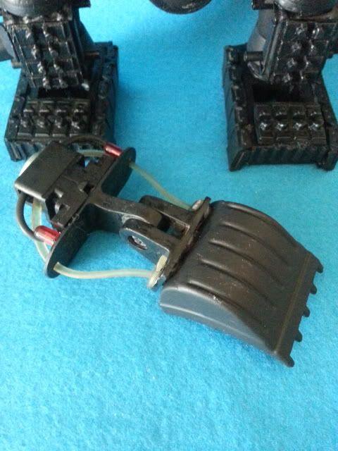 Tank robot 20130609_114128_zpsdd14cb5c